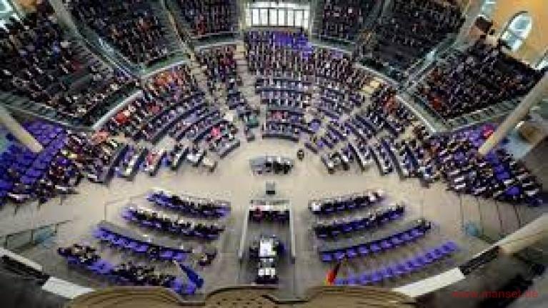 """Almanya'da yeni """"Enfeksiyon Koruma Yasası"""" federal mecliste kabul edildi"""