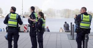 Tatverdächtige nach Auseinandersetzung zwischen einer Jugendgruppe und Sicherheitsmitarbeitern identifiziert