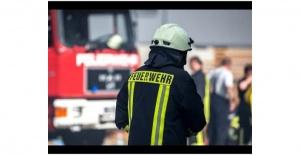 Hamburg`ta  ırkçı içerikler paylaştıkları suçlamasıyla 6 itfaiyeci hakkında disiplin soruşturması başlatıldı.