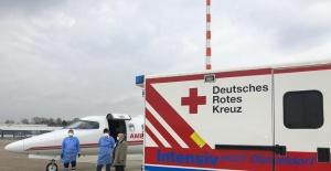 Almanya'da koronaya yakalanan vatandaş ambulans uçakla İstanbul'a getirildi